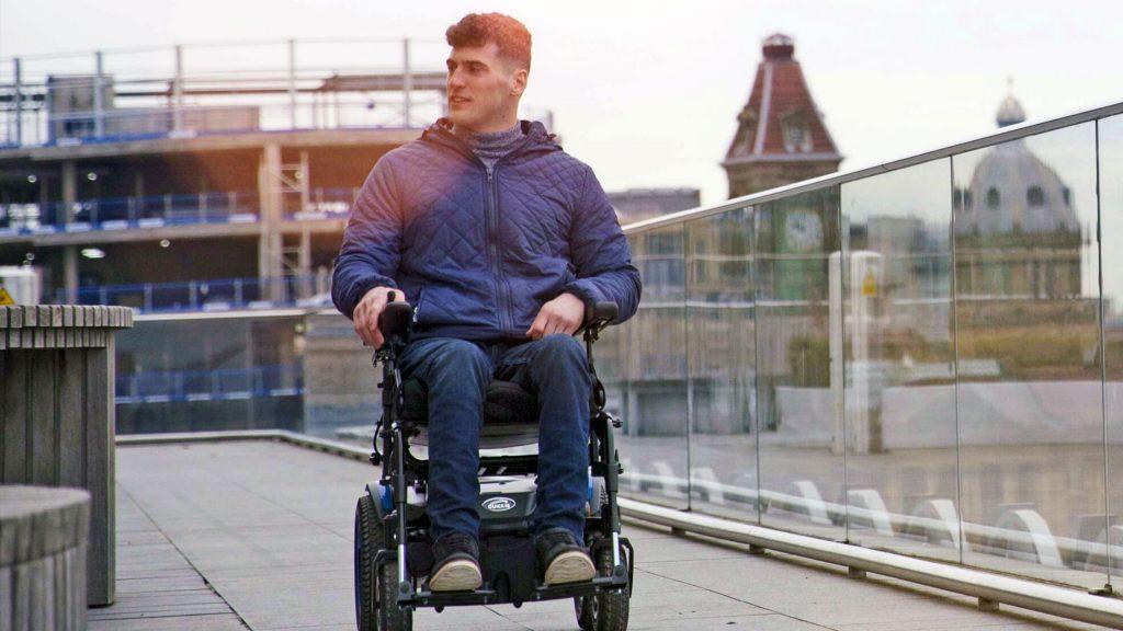 cuidar silla de ruedas eléctrica
